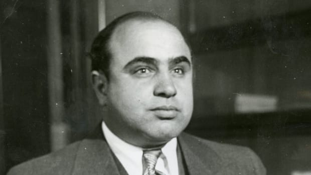 hith-tale-of-two-guns-capone-2