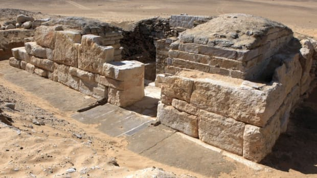 hith-two-ancient-egyptian-tombs-2