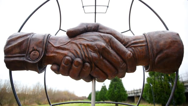 hith-christmas-truce-getty460374406-2