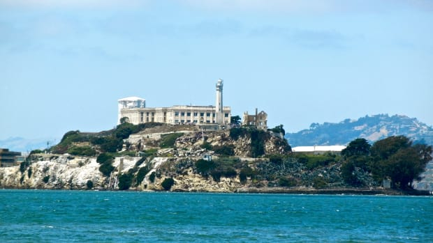 hith-indian-takeover-alcatraz-alcatraz-2