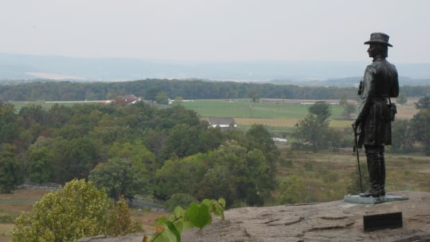 hith-day-2-at-gettysburg-the-union-line-holds-at-little-round-top-2