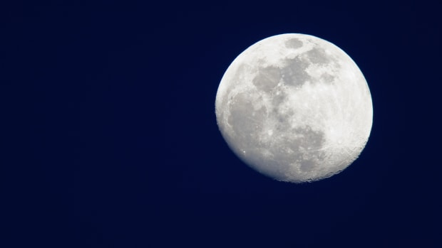 space_full-moon_corbis-2