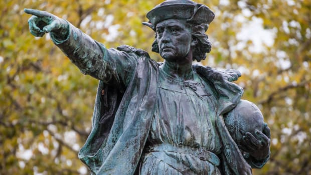 ask-history-columbus-day-celebrated-christopher_columbus_statue-2