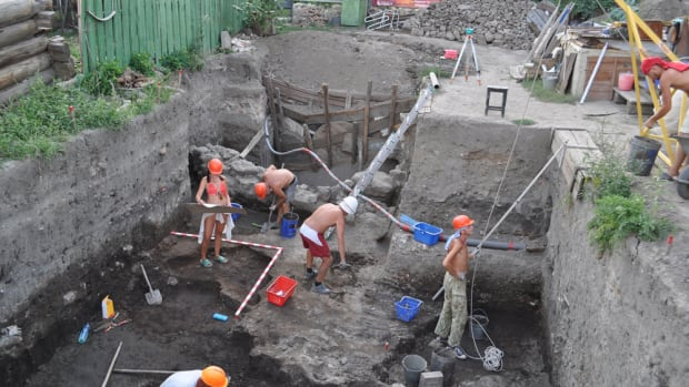 hith-archaeologists-reveal-city-ruled-by-genghis-khan-heirs-golden-horde-treasures-1-2