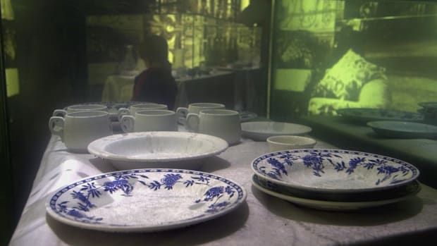 hith-titanic-dishes-127673662-2