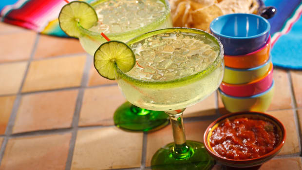 hungry-history-salty-history-of-the-margarita-istock_000009139737large-2