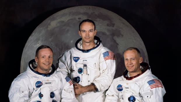 hith-what-if-the-moon-landing-had-failed-2