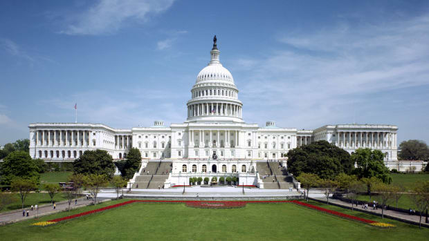 hith-gunfire-erupts-inside-us-capitol-60-years-ago-2