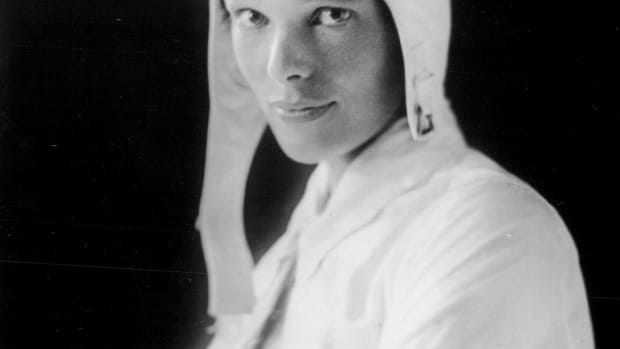 hith-what-happened-amelia-earhart-524188919-2