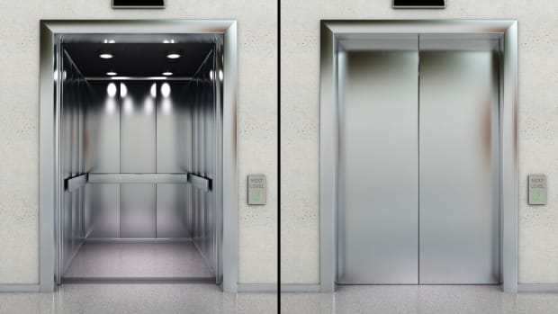 ask-2-history-who-invented-the-elevator-istock_000017202421xlarge-2
