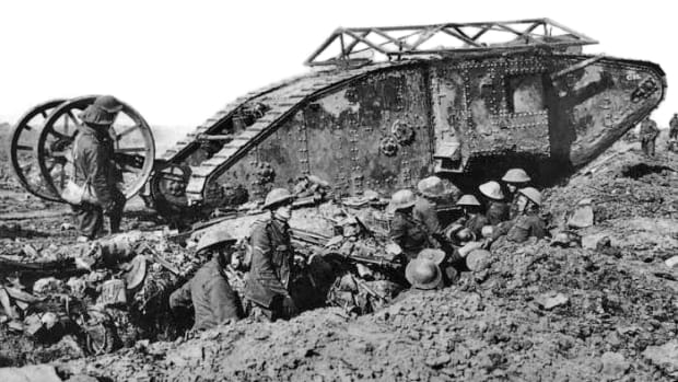 hith-tank-british_mark_i_male_tank_somme_25_september_1916-2