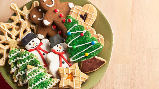 hungry-history-the-medieval-history-of-the-christmas-cookie_istock_000017719452large-1-2