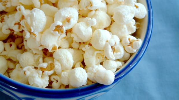 hungry-history-a-history-of-popcorn_istock_000000474115medium-2