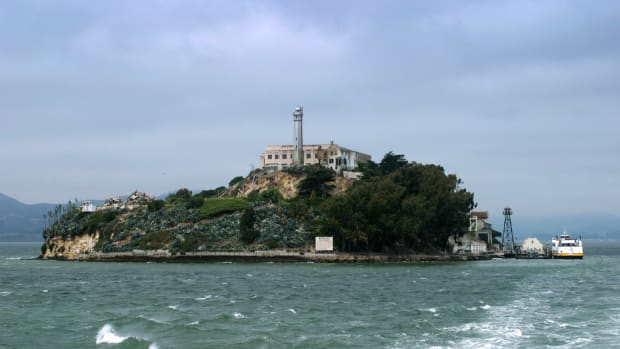 ask-history-did-anyone-ever-escape-from-alcatraz_istock_000001384267medium-2