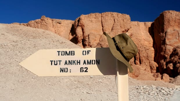 ask-tut-tomb-istock_000002327693large-2