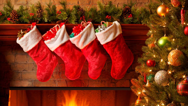 ask-history-why-is-christmas-celebrated-on-december-25_istock_000018165865medium-2