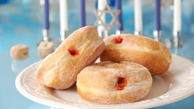 hungry-history-frying-up-donuts-for-the-festival-of-lights_istock_000014710786medium-2