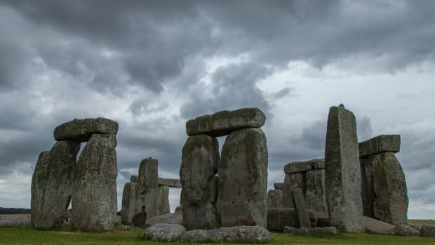hith-stonehenge_encampment_image_picture_photography_14884844251-2