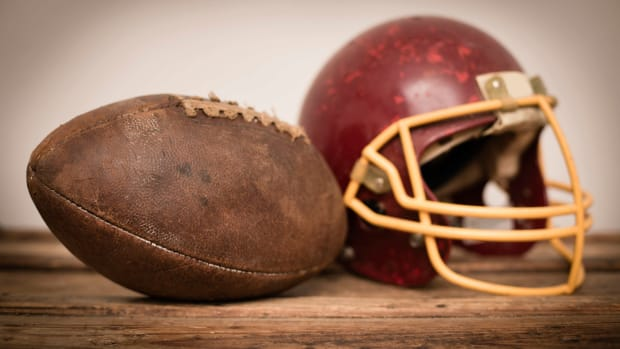 hith-nfl-first-championship-istock_000039919122large-2