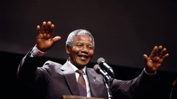 June 1990, Boston, Massachusetts, USA — Nelson Mandela, anti-apartheid activist, and the leader of the African National Congress's military wing Umkhonto we Sizwe, on a visit to Boston. — Image by © Ira Wyman/Sygma/Corbis