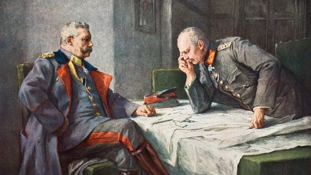 general-paul-von-hindenburg-1847-1934-and-chief-of-staff-erich-von-ludendorff-1865-1937-at-the-map-table-after-a-painting-by-hugo-vogel-from-tannenberg-published-berlin-1928