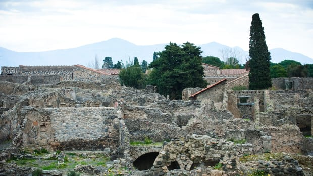 POMPEI, ITALY – JANUARY 15:  General view of the ruins at the archeological site on January 15, 2012 in Pompei, Italy.  The archaeological site of Pompeii has an average turnout of about 2.3 million tourists a year and a take of 13.6 million euros only in the first six months of 2011. The archaeological site of Pompeii has an average turnout of about 2.3 million tourists a year and a take of 13.6 million euros only in the first six months of 2011. The archaeological site has recently been subject to numerous crashes and many areas are remain unsafe and are closed to visitors. The Italian Government has allocated a fund of 105 million euros to start the work of recovery.  (Photo by Giorgio Cosulich/Getty Images)