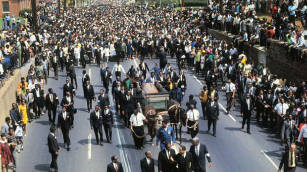 martin-luther-king-funeral-procession