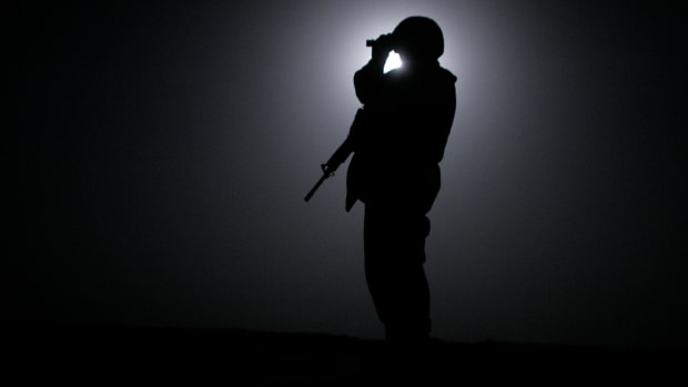 u-s-marines-conduct-moonlight-patrol