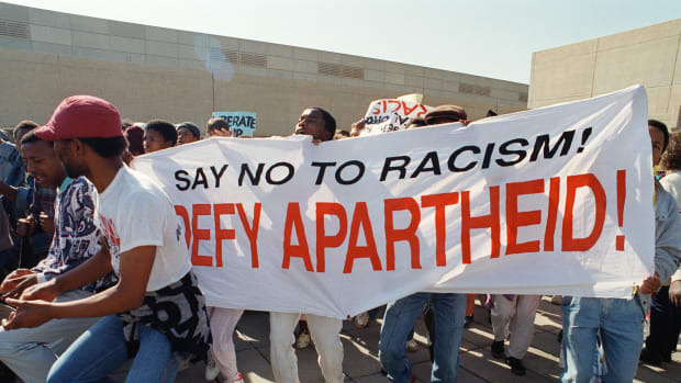 anti-apartheid-demonstration-in-johannesburg