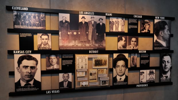 the-mob-museum-opens-in-las-vegas