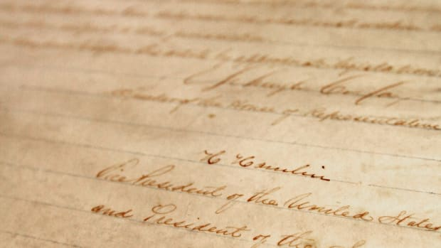 new-york-historical-society-unveils-handwritten-copy-of-13th-amendment-signed-by-lincoln
