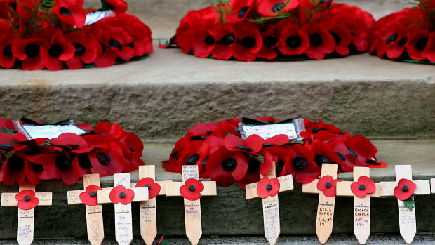 uk-armistice-day-90th-anniversary