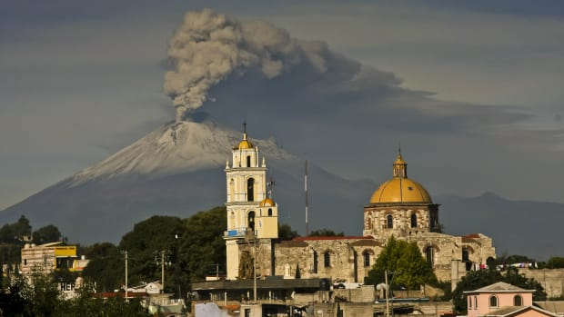 mexico-volcano-popocatepetl