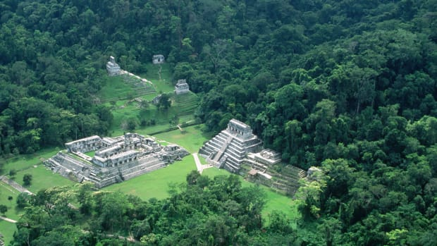 15 Nov 1995, Palenque, Chiapas, Mexico — An aerial view shows the ruins of the Mayan city of Palenque, Chiapas, Mexico. — Image by © Danny Lehman/CORBIS