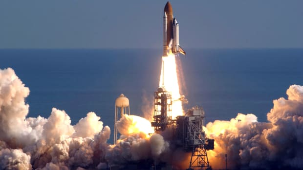 space-shuttle-columbia-lifts-off