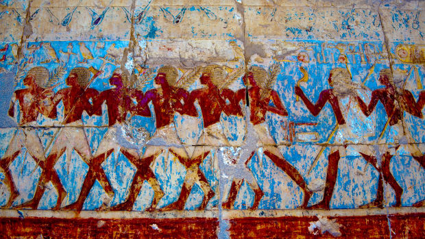 wall-painting-in-chapel-of-hathor-at-mortuary-temple-of-hatshepsut