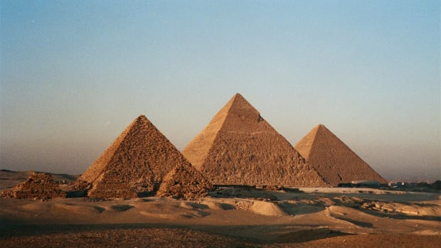 egyptian-pyramids-hero