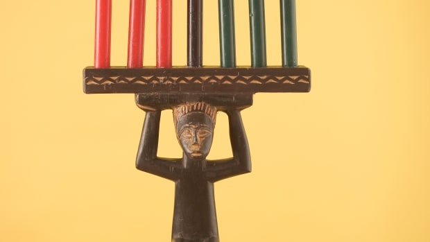 kwanzaa-candles-and-a-djembe