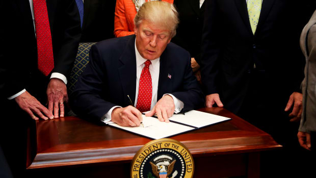 president-trump-signs-executive-order-rolling-back-environmental-regulation