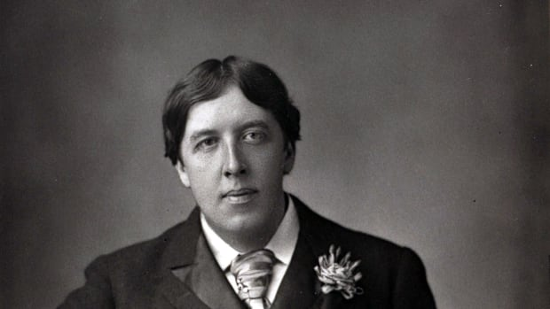 literature-19th-century-a-portrait-of-oscar-wilde-1854-1900-the-irish-dramatist-and-master-of-the-social-comedy-among-his-many-acclaimed-works-were-the-importance-of-being-earnest-and-lady