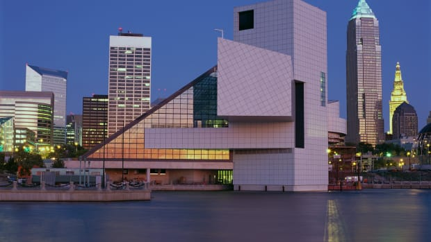 ca. 1996, Cleveland, Ohio, USA — Rock and Roll Hall of Fame and Museum on Lake Erie — Image by © Brownie Harris/CORBIS