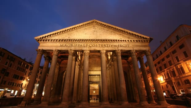 pantheon-by-night