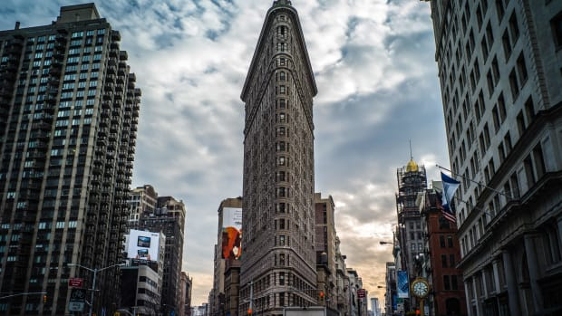 [UNVERIFIED CONTENT] Cars, Clouds and the waning sun are captured in this picture of the Flatiron Building in NYC New York.
