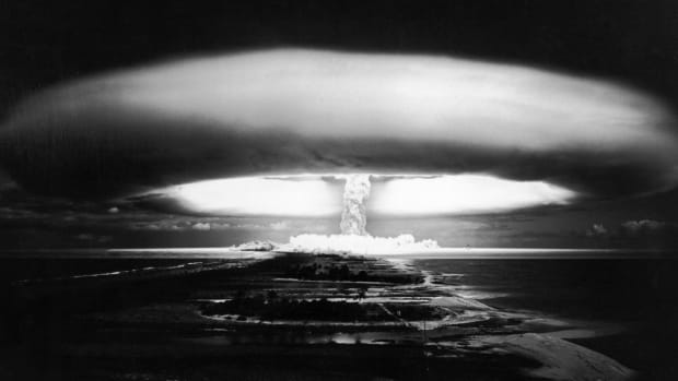 a-nuclear-explosion-at-mururoa-in-france-on-october-30-1971