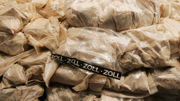 police-displays-600-kilo-smuggled-heroin