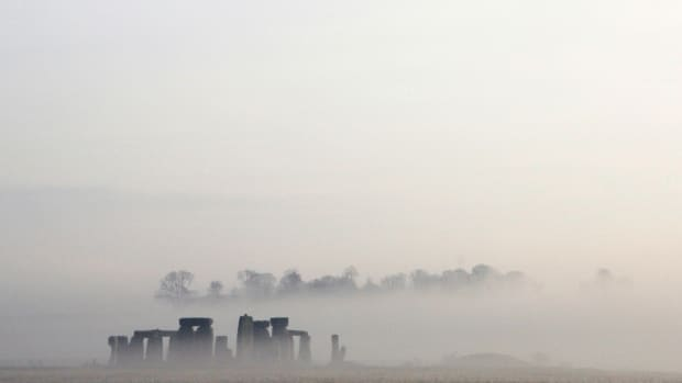 celebration-of-the-winter-solstice-in-stonehenge