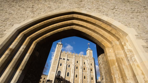 tower-of-london-in-england-uk
