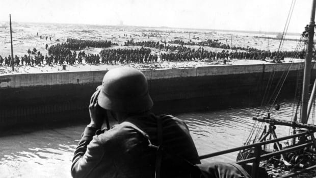 2-ww-campaign-in-the-west-battle-of-france-10-05-22-06-1940-dunkirk-evacuation-of-british-bef-and-french-troops-26-05-04-06-allied-troops-prisoners-of-war-after-end-of-battle-about