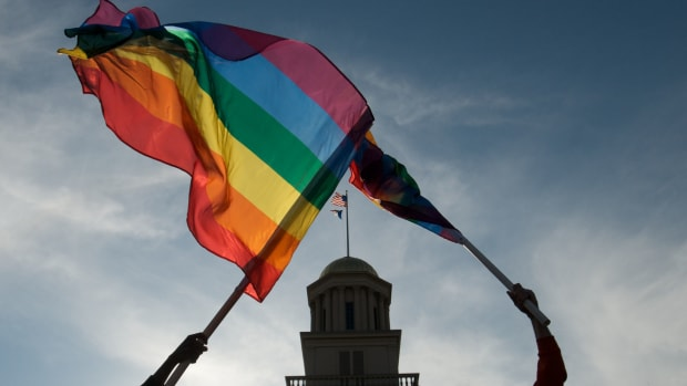 iowa-supreme-court-unanimously-approves-gay-marriages