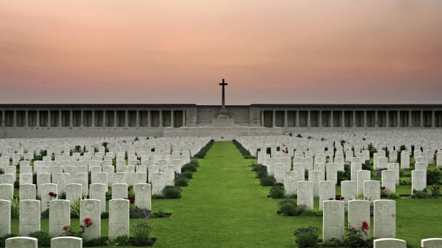 LILLE, FRANCE – JUNE 30:  The grave stone of soldiers killed in the Battle of Somme line up at sunset at the Pozieres Memorial as the 90th anniversary of the Battle of the Somme approaches on June 30, 2006 in Pozieres, France.  The Battle of the Somme was fought between 1 July and 18 November 1916, and claimed nearly 200,000 British lives. The British losses on the first day of the Battle of the Somme on 1 July 1916 were the Army's worst ever for a single day.  (Photo by Scott Barbour/Getty Images)